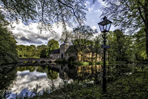 Фото Голландия Замок Река Мосты Уличные фонари Arcen castle Limburg