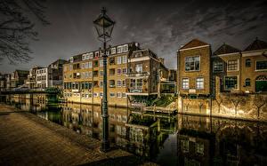 Фотография Нидерланды Дома Вечер Водный канал Уличные фонари Лестницы HDR Gorinchem Города