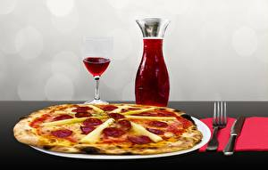 Обои Пицца Нож Вино Тарелке Вилки Бокалы