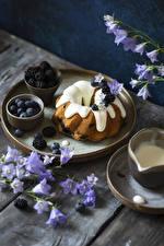 Фотография Кекс Черника Колокольчики - Цветы Ежевика Доски Продукты питания