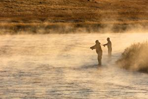 Обои Река Утро Мужчина Рыбалка Туман Вдвоем