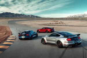 Картинки Дороги Форд Три Mustang Shelby GT500