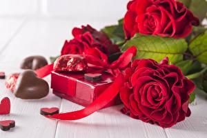 Картинки Розы Шоколад Красных Сердце Подарки цветок