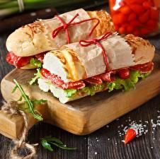 Фото Сэндвич Вблизи Колбаса Вдвоем Пища