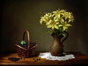 Фото Натюрморт Лилия Смородина Ваза Желтый Корзины Цветы Еда