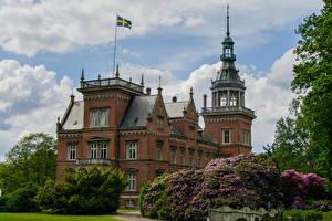 Обои Швеция Замки Кустов Флаг Kulla Gunnarstorp Castle город