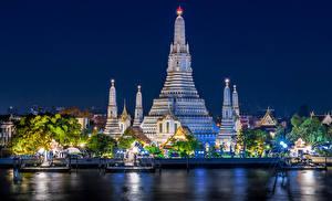 Картинки Таиланд Бангкок Храмы Речка Пирсы Лучи света Ночь Города