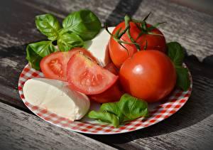 Картинка Помидоры Сыры Тарелка Красная Базилик душистый Caprese, Mozzarella Пища
