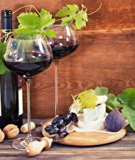 Картинки Вино Виноград Инжир Сыры Орехи Бокалы Бутылки Пища