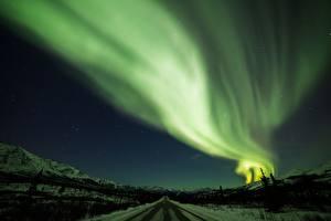 Фотографии Зима Дороги Ночью Северное сияние Снег