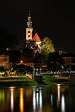 Фотографии Австрия Зальцбург Дома Храмы Церковь Речка Мост В ночи Maria Himmelfahrt Church