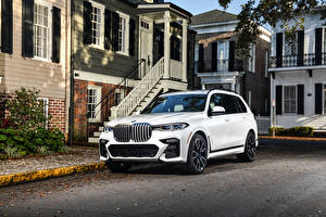 Фотография БМВ Белые CUV 2020 X7 xDrive50i M Sport машины