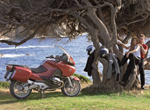 Фото BMW - Мотоциклы Мужчины Шлем Двое 2003-09 R 1200 RT Девушки