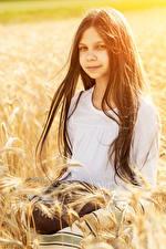Фото Хлеб Девочки Колосья Волосы Брюнетка Дети