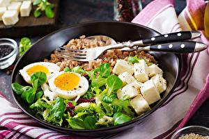 Фото Сыры Гречка Тарелка Вилка столовая Яйцо Базилик душистый Продукты питания