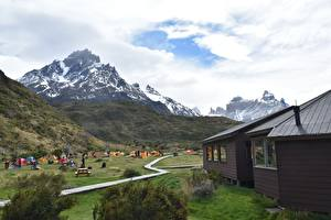 Обои Чили Гора Дома Парки Туризм Трава Torres Del Paine National Park, Patagonia Природа