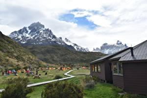Обои Чили Гора Дома Парки Туризм Трава Torres Del Paine National Park, Patagonia