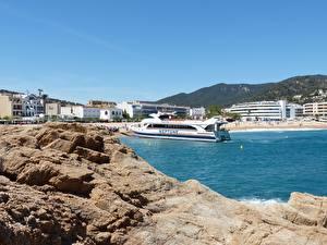 Фотография Берег Курорты Испания Речные суда Catalonia, Costa Brava, province of Girona