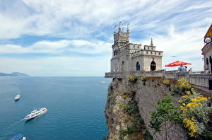 Обои Крым Россия Замок Корабли Море Памятники Скале Swallow's nest, Aurora rock, Black Sea Природа
