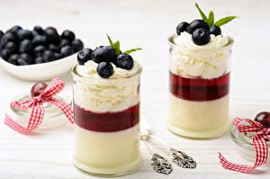 Обои Десерт Черника Йогурт Стакан Двое Сливки Еда картинки