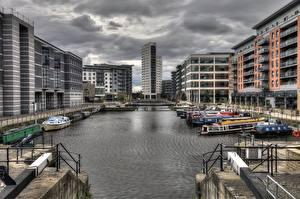 Картинка Англия Дома Речные суда Водный канал HDR Yorkshire, Leeds город