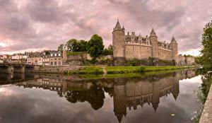 Картинка Франция Замки Реки Отражается Josselin Castle Города