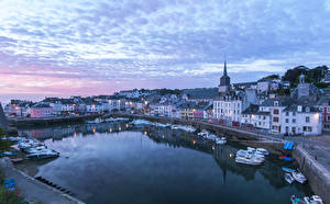Фотография Франция Дома Пристань Вечер Катера Залив Le Palais Brittany город