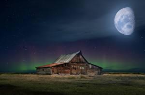 Обои Здания Луны Ночью Из дерева Полярное сияние Природа