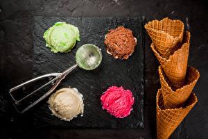 Картинки Мороженое Шар Разноцветные Вафельный рожок Четыре 4 Продукты питания