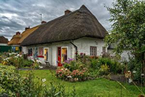 Картинка Ирландия Здания Кустов Adare Limerick город