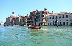 Картинки Италия Дома Катера Венеция Водный канал Canal Grande Города