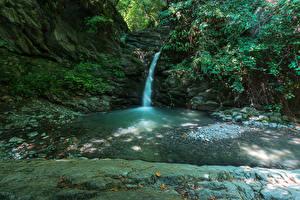 Фотографии Италия Водопады Утес Ручеек Como Природа