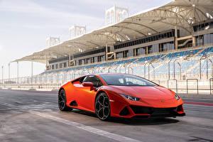 Фотография Lamborghini Красная 2019 Huracán EVO авто