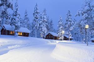 Фото Лапландия область Финляндия Здания Снега Ели Уличные фонари