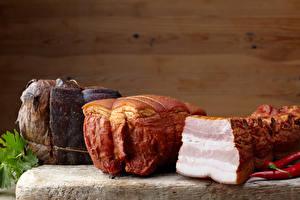 Картинка Мясные продукты Ветчина Острый перец чили Свинина Доски Стене Сало Еда