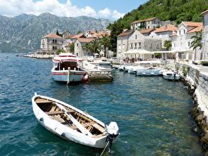 Обои Черногория Причалы Лодки Дома Perast, Boko Kotor Bay Города картинки
