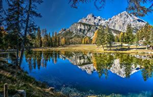 Обои Гора Озеро Италия Альпы Отражении Dolomites Lake Antorno Природа