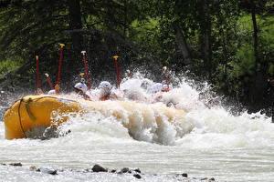 Обои Реки Лодки Канада Рафтинг Брызги Fraser river, British Columbia спортивные