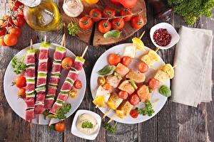 Обои Шашлык Овощи Помидоры Доски Тарелка Еда картинки