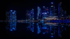 Картинки Сингапур Небоскребы Ночью Мегаполиса Отражение