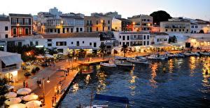Обои Испания Остров Вечер Причалы Лодки Дома Уличные фонари Menorca, Mahon