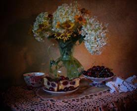 Фотография Натюрморт Пирог Вишня Гортензия Газания Чашка Кусок Продукты питания Цветы