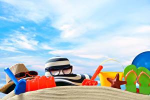 Обои Лето Морские звезды Шляпа Очки Шлепки Песка