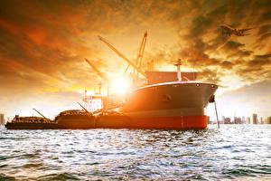 Картинка Рассветы и закаты Море Корабль