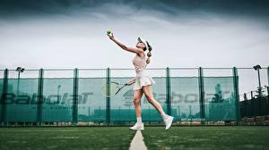 Картинки Теннис Ноги Юбка Сбоку Katrin Sarkozy, Anton Harisov Спорт Девушки