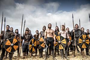 Картинка Воители Мужчины Викинги (телесериал) С щитом Копья
