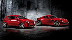 Фотография Альфа ромео Вдвоем Красный Металлик машины