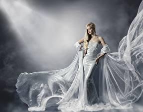 Картинка Платья Красивая Блондинка Девушки