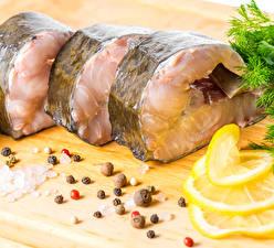Фото Рыба Перец чёрный Лимоны Кусочек Пища