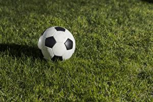 Картинка Футбол Траве Мячик